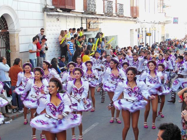 Tijdens het festival ter ere van 'Virgin Guadeloupe' is het 't hele weekend feest, met een hele grote optocht en veel dans en muziek.