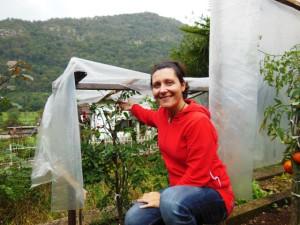 Eigenaresse Vesna in haar Herbal Garden