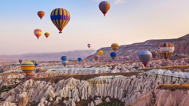 Met de heteluchtballon over Cappadocia, Turkije