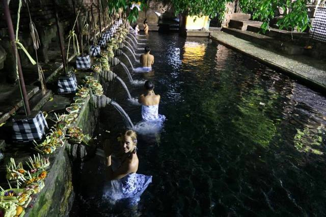 Tirta_Empul_Ubud_Bali