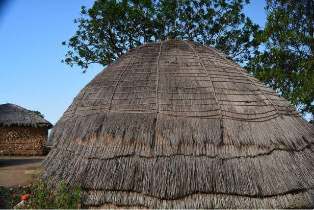 Bobo's Homestay in Swaziland Beehive hut voor de voorouders