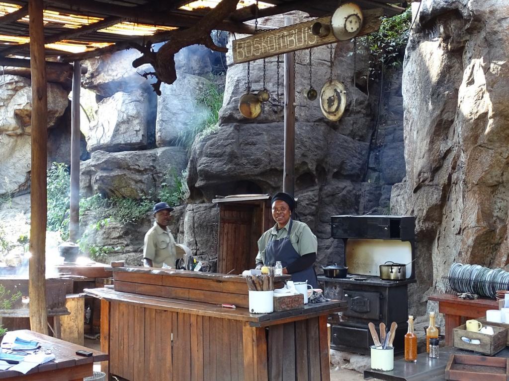 Neli van restaurant Potluck Boskombuis aan de Panoramaroute Zuid Afrika
