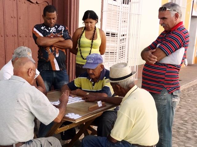 Cuba, domino spelen op straat