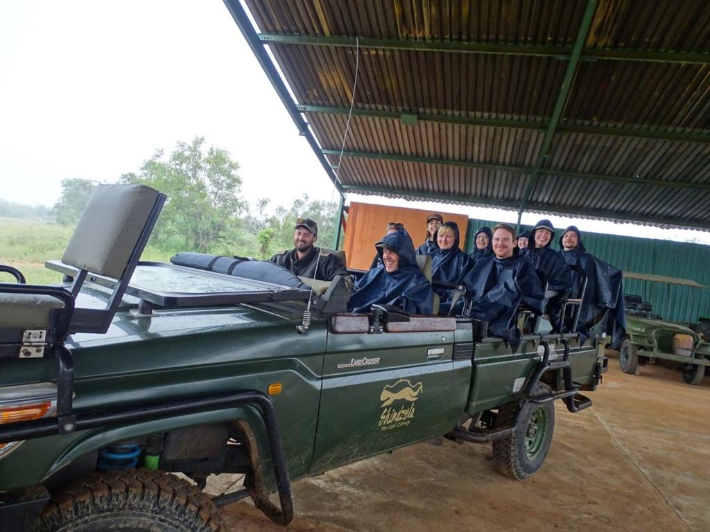 Super comfortabele safari jeep bij Shinzela Tented Camp, Timbavati - Zuid-Afrika