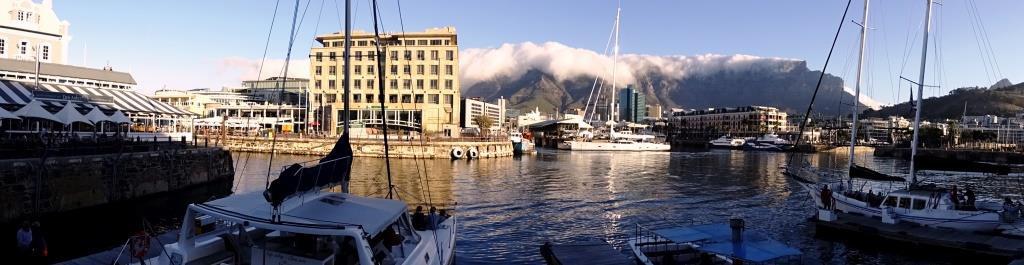 Panorama van het Waterfront: een must-see voor gezellige terrasjes, winkeltjes en boottochten in Kaapstad (Zuid-Afrika rondreis tip!)