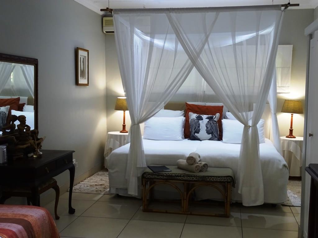 Onze slaapkamer in Kingfisher Lodge, St. Lucia (Zuid-Afrika accommodatie tip!)